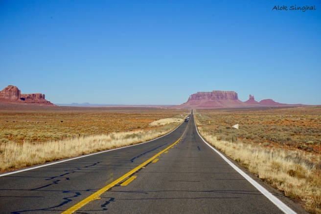 road to the monument valley utah