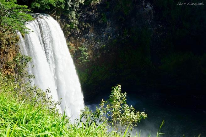 wailua falls.jpg